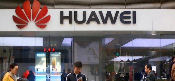 """Các công ty công nghệ Mỹ đang """"không biết bán gì"""" cho Huawei"""