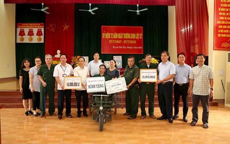 Công đoàn Bộ Tài chính thăm, tặng quà Trung tâm điều dưỡng người có công tỉnh Phú Thọ
