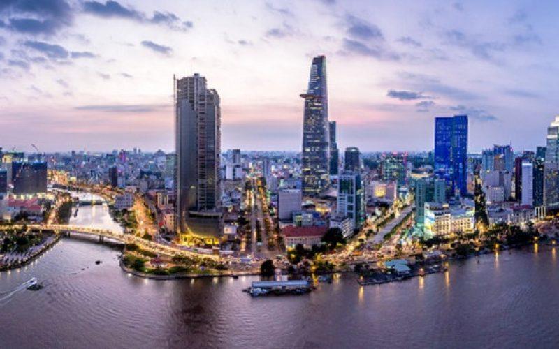 Nhờ đâu Việt Nam thăng hạng vào Top 10 nơi làm việc và sinh sống tốt nhất dành cho chuyên gia nước ngoài?