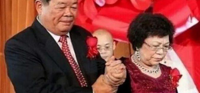 Người vợ mù chữ nắm hết tài sản của tỷ phú Trung Quốc