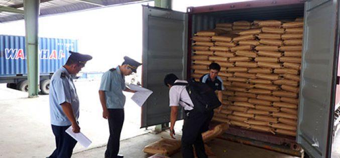 Ngăn chặn việc núp bóng hàng hoá gửi kho ngoại quan để buôn lậu