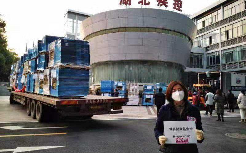 UPS vận chuyển hàng không hơn 2 triệu khẩu trang vàdụng cụ bảo hộ y tế đến Trung Quốc