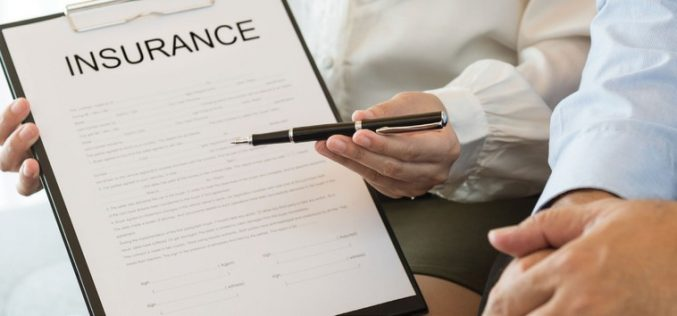 Dừng bán bảo hiểm Covid-19 để tránh rủi ro tiềm ẩn