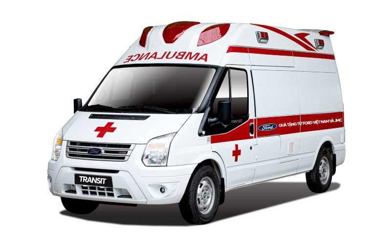 Ford Việt Nam trao tặng xe Transit cứu thương áp lực âm cho Bệnh viện Nhiệt đới Trung ương