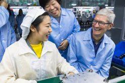 Nữ tỷ phú tự thân đang thách thức đối tác lâu năm của Apple