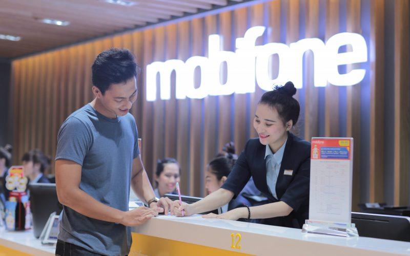 MobiFone được bình chọn vào top 500 doanh nghiệp có lợi nhuận tốt nhất năm 2020