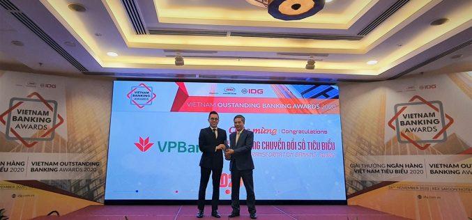 """VPBank năm thứ 3 liên tiếp nhận giải thưởng """"Ngân hàng chuyển đổi số tiêu biểu"""""""