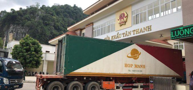 Trung Quốc yêu cầu khử trùng đối với thanh long và container lạnh từ Việt Nam