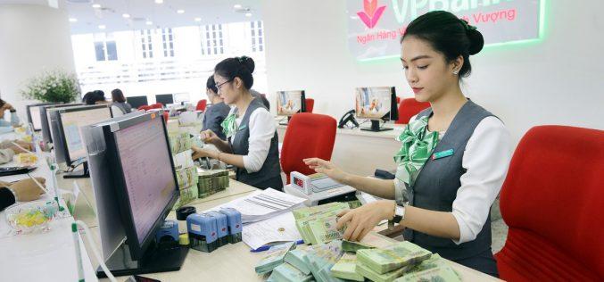 100% khách hàng gửi tiết kiệm tại VPBank được tặng quà