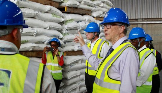Đất đai của Bill Gates đã gần bằng Hong Kong