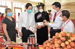 Lazada phối hợp tiêu thụ vải thiều Bắc Giang