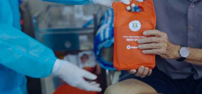 Trao tặng hàng ngàn sản phẩm vệ sinh mũi họng cho các bệnh viện tuyến đầu